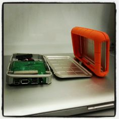 Ever wonder what the inside of those orange hard drives look like? #thetekbar #neilpoulton #ruggedharddrive #veterangeeks