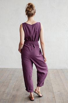 Feel comfortable and free in our linen jumpsuit Annecy. Various colors and sizes, handmade from pure linen. Jumpsuit Casual, Cotton Jumpsuit, Lace Jumpsuit, Drop Crotch, Suit Fashion, Womens Fashion, Ideias Fashion, Rompers, Clothes For Women