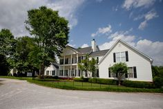 Well, I finally found the perfect wedding venue! Annabella at Cedar Glen in Huntsville, AL