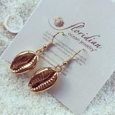 Golden Cowrie Sea Shell Earring 14k