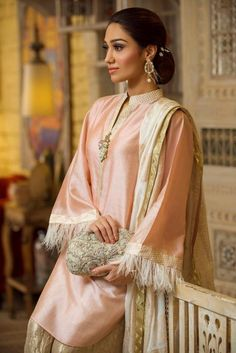 Pakistani Party Wear Dresses, Shadi Dresses, Pakistani Outfits, Indian Dresses, Pakistani Couture, Shrug For Dresses, Nice Dresses, Formal Dresses, Semi Formal Outfits