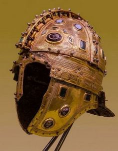 The helmet for the warrior at all times played an important role. According to his design, it was possible to determine not only how skillful the master is in his difficult business, but also the status of its owner. Today, we will talk about some of the types of protective nudes found during archaeological excavations in different parts of the world.