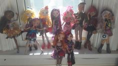 My current Ever After High doll collection! Soon to be updated! :D