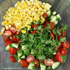 Summer in a bowl! Fresh sweet corn, cherry tomatoes, cucumber, and herbs bring a blast of summery taste to this simple avocado salad (vegan, gluten-free) Healthy Salads, Healthy Eating, Healthy Recipes, Avocado Salads, Diabetic Recipes, Cucumber, Healthy Food, Yummy Food, Easy Summer Salads