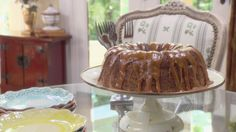 Get this all-star, easy-to-follow Fresh Apple Cake recipe from Trisha Yearwood.
