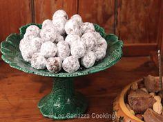 Izetta's Southern Cooking: KENTUCKY BOURBON BALLS