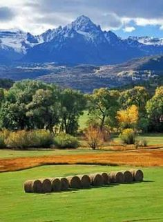Sneffels Ranch and Mount Sneffels near Ridgway, Colorado, USA (Grant Collier Photography) State Of Colorado, Colorado Homes, Colorado Mountains, Rocky Mountains, Colorado Country, Telluride Colorado, Grandeur Nature, San Juan Mountains, Seen