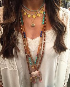 I got to feel like a princess wearing these gems! 😍A girl can dream...💭#iloveshakti @yu_fashion