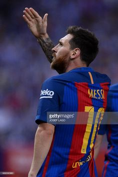 Barcelona's Argentinian forward Lionel Messi celebrates after scoring during the Spanish Copa del Rey (King's Cup) final football match FC Barcelona vs Deportivo Alaves at the Vicente Calderon stadium in Madrid on May 27, 2017. / AFP PHOTO / Josep LAGO