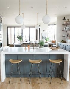 Majestic rustic kitchen design ideas in white 31 Farmhouse Kitchen Island, Kitchen Island Decor, Modern Farmhouse Kitchens, Home Decor Kitchen, Rustic Kitchen, Kitchen Furniture, New Kitchen, Home Kitchens, Kitchen Dining