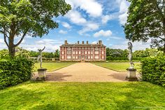 National Trust London Properties - 11 Places You Can Visit in the Capital Best Places In London, Days Out In London, Walks In London, Things To Do In London, Free Things To Do, Richmond Restaurants, London Neighborhoods, Richmond London, Richmond Park