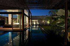 Image 12 of 29 from gallery of Khadakvasla House / SPASM Design Architects. Photograph by Sebastian Zachariah