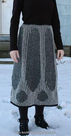 Completely free knitting patterns and free crochet patterns online. Stocking Stitch Knitting, Knitting Patterns Free, Free Pattern, Knit In The Round, Garter Stitch, Knit Skirt, Knit Crochet, High Waisted Skirt, Skirts