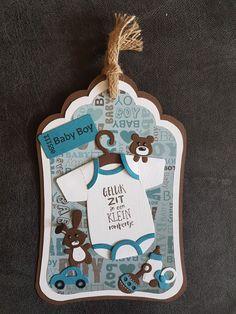 Gemaakt door Hella Coolen : label met Baby rompertje