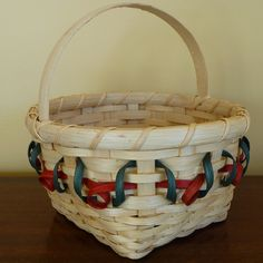 December's Free Basket Weaving Pattern ~ the Holly Berry Basket