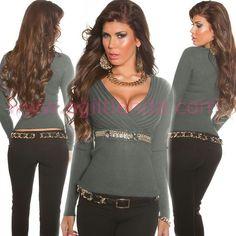#Chic #jersey #mangalarga para @mujer #diseño #exclusivo con sugerente #escote de pico para destacar el #pecho #adornado con #cadenas #oro y tejido de #punto #elastico muy #calido y suave que se adapta perfectamente a tu figura destacando las #curvas con #efecto #exclusivo y #joven para #complementar con todo tu #armario . Encuentralo en #Jerseys y #Camisetas de http://www.agiltienda.com/es/jerseys-y-camisetas/2504-jersey-escote-v-con-cadenas.html #shop #online #taradell