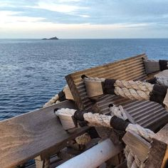 Lo scoglietto di #portoferraio nello scatto di @rita.bertelli. Continuate a taggare le vostre foto con #isoladelbaapp il tag delle vostre vacanze all'#isoladelba. Visita il sito http://ift.tt/1NHxzN3