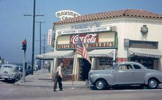 Tobey's Drug Store (now Gil Turner's), located at 9101 Sunset Boulevard at the northwest corner of Doheny Drive and the Sunset (ca.1949) Vintage Hollywood, West Hollywood, Garden Of Allah, Fine Wine And Spirits, The Golden Years, Sunset Strip, Los Angeles California, Will Turner, Vintage Photographs