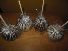 White and Milk chocolate apples