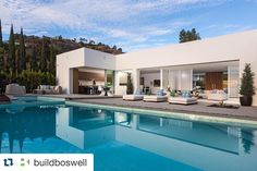 Indoor entertaining meets outdoor living at the mid-century modern inspired Hillcrest. Bungalow, Pool House Designs, Modern Home Interior Design, Hotel Pool, Modern Backyard, Tropical Houses, Custom Home Builders, Pool Houses, Luxury Real Estate