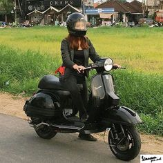 Black Ninja Vespa Girl on black Vespa PX captured by ・・・ It was such a beautiful day! Strolling around Canggu with this after 1 hour scooter ride out of the hustle and bustle of Legian, Kuta, Seminyak. Lml Vespa, Vespa Bike, Lambretta Scooter, Vespa Scooters, Retro Scooter, Scooter Girl, Vespa Special, Vespa Px 200, Italian Scooter