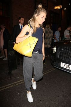 Sienna Miller goes low-key after theatre performance