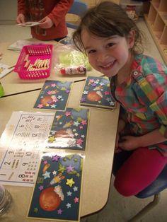 La maternelle de Francesca: Nos petits ateliers #6 Kindergarten Math, Preschool, Solar System For Kids, Math Centers, Kids Learning, Activities For Kids, Literacy, Education, Voici