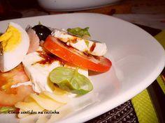 Salada fresca de massa com salmão fumado e mozzarella - http://gostinhos.com/salada-fresca-de-massa-com-salmao-fumado-e-mozzarella/
