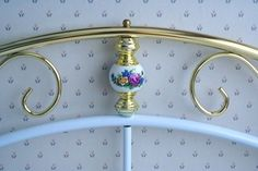 How to Paint a Metal Daybed