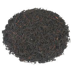CEYLON OP MELANGE | Deze Ceylonmelange is een milde thee welke je helpt je concentratie op de juiste pijl te krijgen. Deze toegankelijke thee raden wij je dan ook vooral aan in de ochtend - al is een kopje in de middag natuurlijk ook geen overbodige luxe. Jij kan er weer tegenaan! |