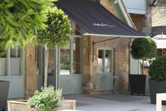 The Paper Mulberry: First impressions - exterior paint shades Daylesford UK Amazing! Exterior Blinds, House Paint Exterior, Exterior Paint Colors, Exterior House Colors, Exterior Design, Cafe Exterior, Blue Gray Paint Colors, Paint Colors For Home, Bungalow Extensions
