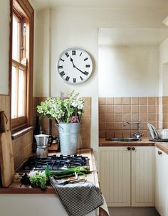 cottage kitchen | design sara emslie | photo rachel whiting
