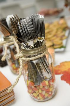 Holder Silverware Holder: Baby Mama Juice used a mason jar partially filled with candy corn as a silverware holder at a Fall party.Silverware Holder: Baby Mama Juice used a mason jar partially filled with candy corn as a silverware holder at a Fall party. Thanksgiving Diy, Decorating For Thanksgiving, Thanksgiving Centerpieces, Thanksgiving Decorations Outdoor, Thanksgiving Dinner Tables, Fall Decor Outdoor, Outdoor Ideas, Outdoor Fall Parties, Jar Centerpieces