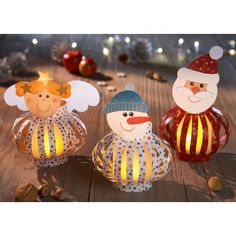 Sachenmacher Weihnachtslichter JAKO-O, Bastelset für 6 Stück » JAKO-O Christmas Crafts For Gifts, Craft Gifts, Christmas Decorations, Holiday Decor, Crafts To Make, Crafts For Kids, Arts And Crafts, Paper Crafts, Paper Balls