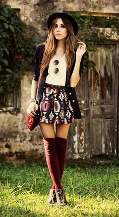 Over-the-knee socks! #fall #autumn #autumnlove #sweaterweather #holidaysesaon cred: stylish wife