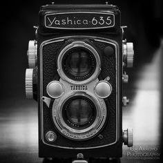 My recently aquired Yashica 635 tlr has arrived! Can't wait to use it.