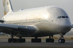 A6-APA - Etihad Airways Airbus A380 photo (185 views)