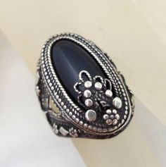 Estate Sterling Silver & Black Stone Floral Accents Ring Sz 6