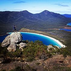 Spectacular view from Mt Amos in Freycinet National Park, Perth, Brisbane, Melbourne, Living In Adelaide, Beautiful Places, Beautiful Pictures, Birds Eye View, Tasmania, Australia Travel