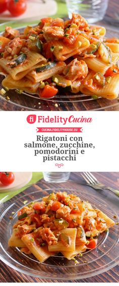 Rigatoni con salmone, zucchine, pomodorini e pistacchi Rigatoni, Gnocchi, Pasta Recipes, Buffet, Spaghetti, Food And Drink, Cooking, Breakfast, Noodles