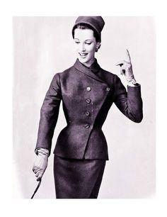 Vogue Paris Original 1288 by Jean Dessès Fashion D, 1950s Fashion, Fashion History, Couture Fashion, Fashion Models, Vintage Glam, Mode Vintage, Vintage Beauty, 1950s Women