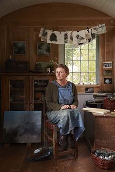 artist Linda Felcey's husband built her a shepherd's hut as a workspace