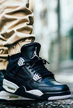 """Air Jordan 4 """"Oreo"""""""