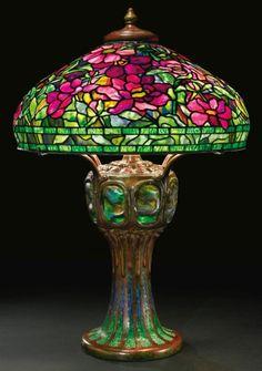 Tiffany Peony table lamp