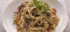 Try this lighter style chicken and mushroom fettuccine recipe which is full of flavour but not cream! Fettuccine Recipes, My Favorite Food, Favorite Recipes, Chicken Tenderloins, Dry White Wine, Fresh Thyme, Stuffed Mushrooms, Spaghetti, Meals