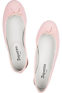 Beautiful pale pink ballet shoes.... I have always wanted a pair of these..... they look so comfey
