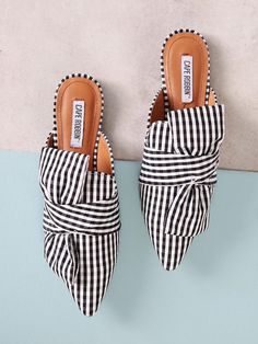 Online shopping for Gingham Print Pointed Toe Mule Flat with Bow from a great selection of women's fashion clothing & more at MakeMeChic. Strappy Flats, Bow Flats, Flats Outfit, Pointed Toe Heels, Dream Shoes, Loafers For Women, Types Of Shoes, Beautiful Shoes, Mules Shoes