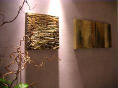 Un corner di arredo etnico di classe con i quadri modulari realizzati da Studio Menguante con tecnica del 1300. Clicca sul link per visitare l'atelier dell'artista: http://www.mirabiliashop.com/studio%20menguante.htm