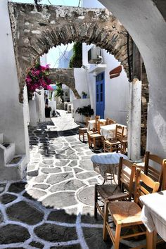 Street cafe Naousa Paros Greece I would be more than happy to spent my days here. The post Street cafe Naousa Paros Greece I would be more than happy to spent my day appeared first on street. Places Around The World, The Places Youll Go, Places To Visit, Beautiful World, Beautiful Places, Places To Travel, Travel Destinations, Travel Tips, Greece Holiday Destinations