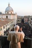 F.G. Saraiva: Um ano depois, Bento XVI e as últimas horas do Pon...